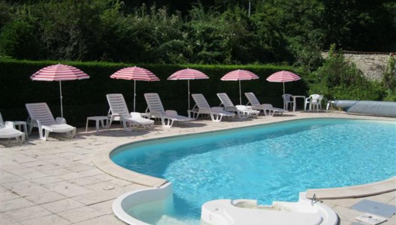 Hotel D Orfeuil Bourbonne Les Bains Hebergements Valvital